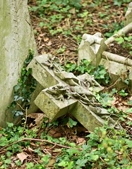 Highgate June 19 - 35 (Lostash) Tags: london highgatecemetary graveyards graves tombs death burials uk