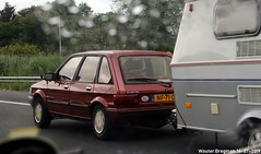 Austin Maestro 1.6 Mayfair 1985 (XBXG) Tags: red holland austin rouge highway nederland 16 caravan maestro mayfair 1985 rood a2 brabant bmc noordbrabant snelweg britishleyland bl liempde caravanne austinmaestro nf71ds auto old uk classic netherlands car automobile outdoor voiture vehicle british paysbas leyland ancienne brits youngtimer anglaise