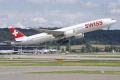 Swiss Boeing 777-300ER; HB-JNA@ZRH;14.07.2019 (Aero Icarus) Tags: zrh zürichkloten zürichflughafen zurichairport lszh plane avion aircraft flugzeug swissinternationalairlines boeing777300er hbjna takeoff