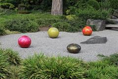 IMG_7942 (Ian Razey) Tags: kewgardens greaterlondon surrey england kew sculpture statue chihuly chihulyart modernart glass outdoorartexhibitionoutdoorart