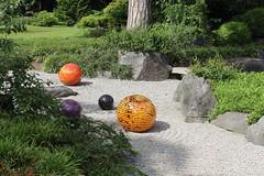 IMG_7941 (Ian Razey) Tags: kewgardens greaterlondon surrey england kew sculpture statue chihuly chihulyart modernart glass outdoorartexhibitionoutdoorart
