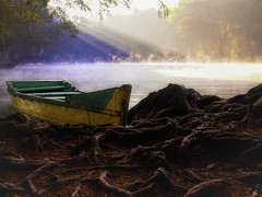 UNA BARCA. (NIKONIANO) Tags: surreal unabarca caméuaro amanecer lucesdelamañana mañana matin morning dream dreaming