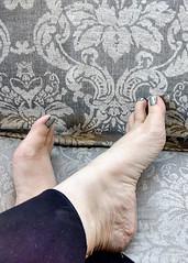 IMG_20190714_124103320_HDR~2 (eirenna_unveiled) Tags: foot feet barefoot barefeet polishedtoes polishedtoenails legs