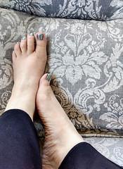 IMG_20190714_123658243_HDR~2 (eirenna_unveiled) Tags: foot feet barefoot barefeet polishedtoes polishedtoenails legs