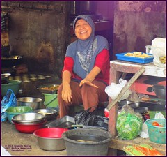 Cirebon Warung Cook 20190328_103554 DSCN4223 (CanadaGood) Tags: people color colour indonesia person java asia seasia westjava indonesian asean cirebon javanese 2019 canadagood thisdecade food kitchen