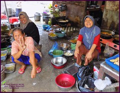 Cirebon Warung Kitchen 20190328_103630 DSCN4227 (CanadaGood) Tags: people color colour indonesia person java asia seasia westjava indonesian asean cirebon javanese 2019 canadagood thisdecade food kitchen