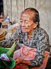 "Mbah Satinem (tehhanlin) Tags: indonesia indonesianfood yogyakarta jogjakarta people face faces culture portrait portraits wajah jajanan jawa java travel asia mbahsatinem satinem pixel pixel3a google pixel"" googlepixel"