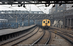 1975 - AM6 Leaving the East Side. (Robert Gadsdon) Tags: 1975 liverpoolstreetstation am6 emu class306 073 electric withdrawn scrapped