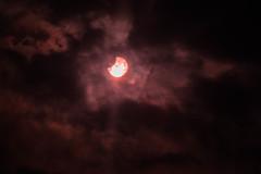 Un cuarto de Eclipse (enquepc) Tags: luna sol eclipse naturaleza photos nubes fotos fotografia nikon 300mm