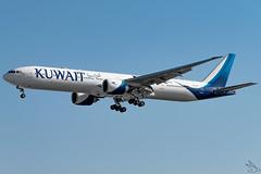 Kuwait Airways - Boeing 777-369(ER) / 9K-AOH @ Manila (Miguel Cenon) Tags: kuwaitairways ku kuwait ku777 kuwaitb777 kuwaitb77w ku77w 9kaoh rpll airplane airplanespotting appgroup apegroup airport philippines planespotting ppsg manila naia nikon d3300 boeing boeing777 boeing77w b777 b77w ge90 wings wing window widebody widebodyjet wheel wide aircraft sky