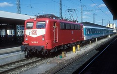 141 038  Nürnberg Hbf  30.05.97 (w. + h. brutzer) Tags: nürnberg eisenbahn eisenbahnen train trains deutschland germany railway elok eloks lokomotive locomotive zug db e41 141 webru analog nikon albumhubertboob
