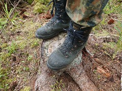 In the woods 💪🌲 (armyboyx) Tags: lumberjack workboots chainsawboots armypants meindlwoodwalker meindl