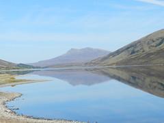 Loch a'Chriosg, Highlands of Scotland, May 2019 (allanmaciver) Tags: loch achriosg amuilinn aleathaid sgurr achansheen water reflections low still hazy highlands scotland