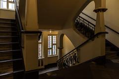Hackesche Höfe (michael_hamburg69) Tags: berlin germany deutschland treppe stairs gelb yellow rosenthalerstr4041 kino cinema hackeschenhöfe hackeschehöfe bezirk mitte ortsteil