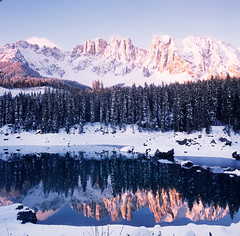 Sunset at Lago di Carezza (Eason Zhang) Tags: hasselblad carlzeiss distagon50f4 rvp italy dolomites sunset