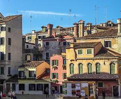 I camini (Cornelia.Campidelli) Tags: venezia città colori landscape urban sky giorno sole daylight case houses italy