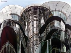 spherical architecture (Thomas Heuck) Tags: london architektur architecture gebäude building spiegelungen reflections olympus em1markii