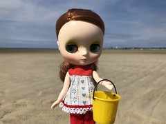 Collecting treasures (Foxy Belle) Tags: beach travel vacation sand middie blythe doll lena elena august 2013 bucket yellow outside nature summer tutti shirt red hair redhead
