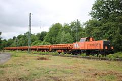 BBL: Lok 05 mit Gleisschotterzug in Hoheneiche (Helgoland01) Tags: bbl v100 eisenbahn railway deutschland germany hessen diesellok wehretal
