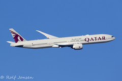 A7-BET Boeing 777-300ER Qatar Airways Heathrow airport EGLL 25.02-19 (rjonsen) Tags: plane airplane aircraft aviation airliner flying flight