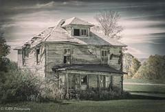 Abandoned in Red Creek (KRHphotos) Tags: westvirginia architecture abandoned davis unitedstatesofamerica