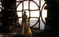 Anna Henrietta Cosplay (BervinovaA) Tags: theelderscrolls tesvskyrim tes skyrim bethesda pc screenshot virtualphotography game gamephotography fantasy woman cosplay dress light sun