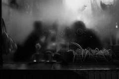 (Claudio Blanc) Tags: street streetphotography fotografiacallejera fotografianocturna night noche nocturna buenosaires bw bn blancoynegro blackandwhite argentina bar café