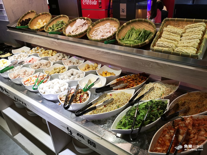 【台北萬華】阿豬嘻烤肉村│銅盤烤肉火鍋吃到飽│西門町美食 @魚樂分享誌