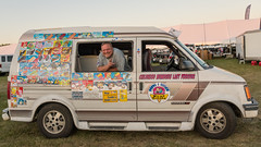 Ice cream van man (sniggie) Tags: jetsoverkentucky kewltreats lebanonspringfieldairport poppimamas springfield icecreamvan
