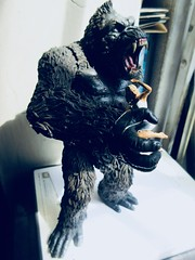 King Kong on Rampage with Fay Wray type 5391 (Brechtbug) Tags: king kong gorilla mezco toy monster portrait plastic walking spitting sparks creature rko empire state building new york city july 07142019 nyc 2019 shelf toys action figure wild shadow shadows gorillas fay wray type heroine