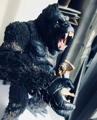 King Kong on Rampage with Fay Wray type 5415 (Brechtbug) Tags: king kong gorilla mezco toy monster portrait plastic walking spitting sparks creature rko empire state building new york city july 07142019 nyc 2019 shelf toys action figure wild shadow shadows gorillas fay wray type heroine