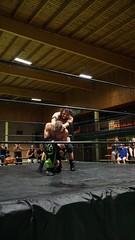 2019-07-13_21-59-20_ILCE-6500_DSC02011 (Miguel Discart (Photos Vrac)) Tags: lutte sony catch mea highiso 30mm 2019 iso6400 focallength30mm joeelegend fallscountanywhere robraw focallengthin35mmformat30mm luchaarena ilce6500 sonyilce6500 combatdelutte notitlechange e18135mmf3556oss luchaarena4 sport wrestling wrestlingmatch xperiencewrestling sonyilce6500e18135mmf3556oss titrechampionpoidslourds