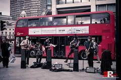 """buskers"", London. (Michele Rallo - MR PhotoArt) Tags: michelerallomichelerallomrphotoartemmerrephotoartphotopho inghilterra londra london london2019 londra2019 england travel viaggio viaggi scorcio vista view city cityscape travelblog travelblogger thecity music street streetphotography streetphoto streetartist artisti artist musica redbus bus londonbus busstop"