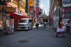 街 (fumi*23) Tags: ilce7rm3 sony street sel35f28z sonnar sonnartfe35mmf28za a7r3 alley emount color people japan 35mm 街 大阪 京橋 ソニー osaka kyobashi