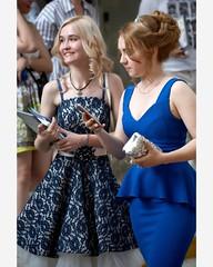 Выпускники московских школ сразу после получения аттестатов............ #июнь2019  #школа #выпускной (martynovpavel1968) Tags: instagramapp square squareformat iphoneography uploaded:by=instagram