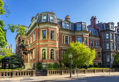25-27 Commonwealth (Eridony (Instagram: eridony_prime)) Tags: boston suffolkcounty massachusetts backbay house houses constructed1861
