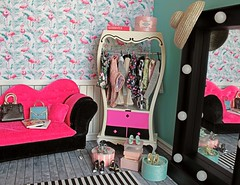 Who wouldn't like to have a closet decorated with flamingos wallpaper? 👝👜👠👗👚👛💗 (♥ Little Enchanted World ♥) Tags: diorama roombox little enchanted world handmade fordolls barbie poppy parker blythe pullip closet flamingos wallpaper fashion decor cute mirror furniture miniature bedroom living room generation girl