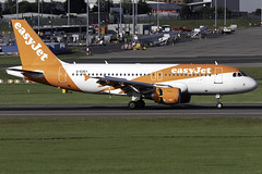 easyJet A319 G-EZEY at Birmingham Airport BHX/EGBB (dan89876) Tags: easyjet uk airbus a319 a319100 a319111 gezey birmingham international airport landing runway 15 bhx egbb