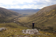 I'm Free! (steve_whitmarsh) Tags: aberdeenshire scotland scottishhighlands highlands landscape mountain hills water river path topic
