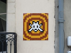 Space Invader DIJ_05 (tofz4u) Tags: 21 dijon bourgogne côtedor cotedor bourgognefranchecomté dij05 streetart artderue invader spaceinvader spaceinvaders mosaïque mosaic tile jaune yellow moutarde mustard closeup