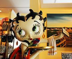 201305-Savannah Betty Boop1 (deacondana) Tags: 2013 savannah georgia bettyboop mannequin
