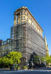 Haddon Hall (Eridony (Instagram: eridony_prime)) Tags: boston suffolkcounty massachusetts backbay apartmentbuilding constructed1895