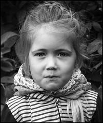 Sonya / Соня (dmilokt) Tags: чб bw черный белый black white портрет portrait ребенок child dmilokt