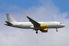 EC-NCT - LGW (B747GAL) Tags: vueling airbus a320271n lgw gatwick egkk ecnct