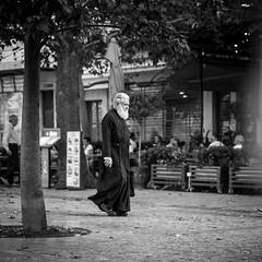 Orthodox Priest, Athens, Greece (pas le matin) Tags: man homme travel voyage world greece grèce europe europa priest orthodox prêtre street rue candid bw nb monochrome blackandwhite noiretblanc canon 5d canon5d eos canoneos5d canoneos5dmkiii eos5dmkiii 5dmkiii canon5dmkiii athènes athens