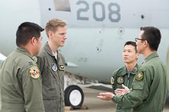"Service members from the U.S. Air Force, Japan Air Self-Defense Force converse during a bilateral airlift exchange (#PACOM) Tags: japan tokyo usaf c2 jasdf yokotaab yokotaairbase pacaf japanairselfdefenseforce irumaairbase pacificairforces 374aw 374thairliftwing bilateralexchange indopacom usindopacificcommand ""usindopacom"