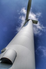 Looking up at a wind Turbine on Scout Moor (Gidzy) Tags: windfarm windturbine environmentallyfriendly environment lancashire manchester rochdale lookkingup