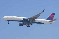 Delta Air Lines Boeing 757-200 N669DN (jbp274) Tags: lax klax airport airplanes delta dl boeing 757