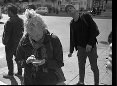 What???? (Berggren81) Tags: leica m4 sv blackwhite tmax400 analouge ishootfilm summilux35mm street semester