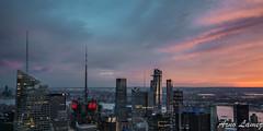 coucher de soleil sur New York (arnolamez) Tags: cityscape city newyork ville coucherdesoleil sunset